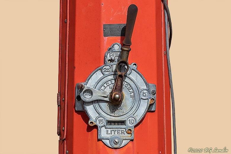 Gammal pump