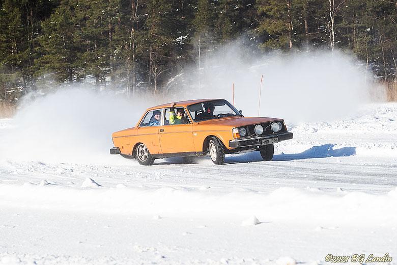 Iskörning på Jämnesjön