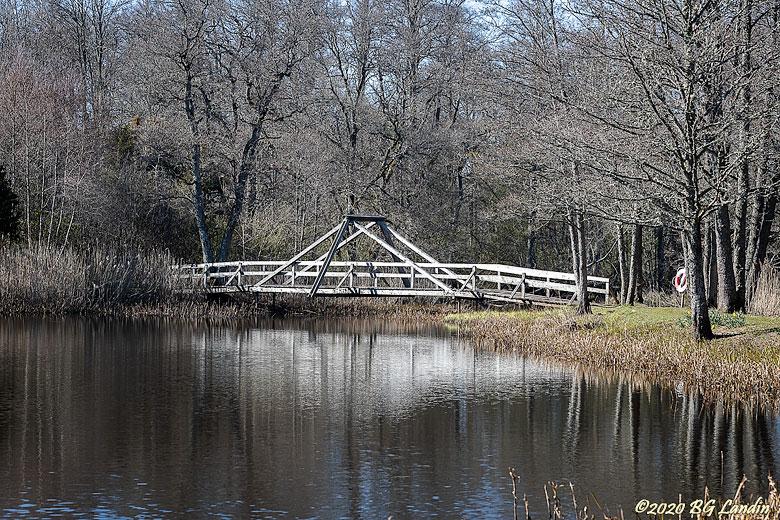 Träbro i hembygdsparken