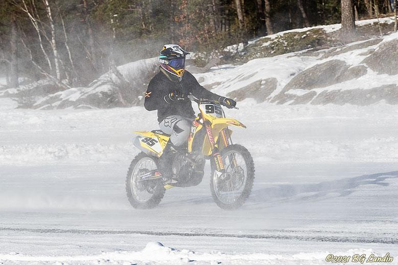 Med två hjul på Jämnesjön