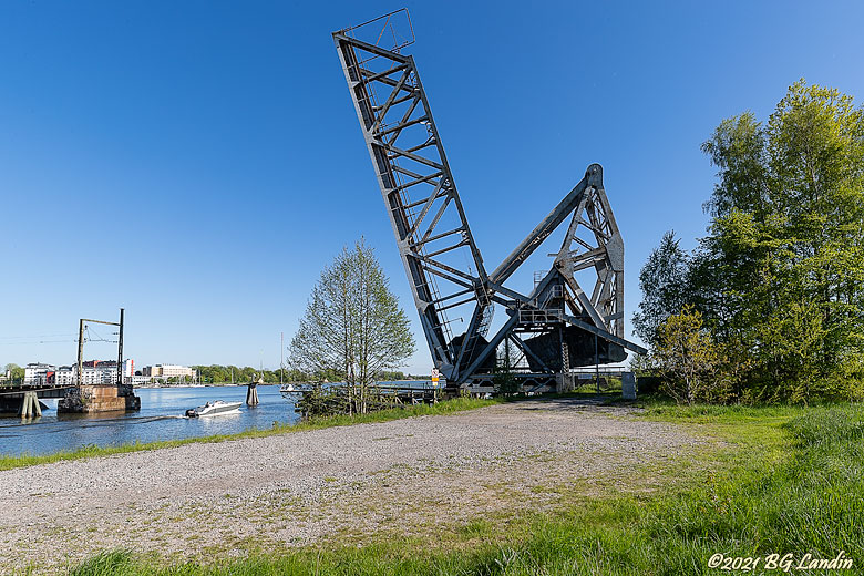 Uppfälld järnvägsbro i Vänersborg