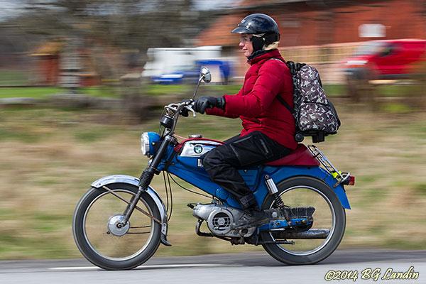En blå Puch Dakota i ChickenRace 2014