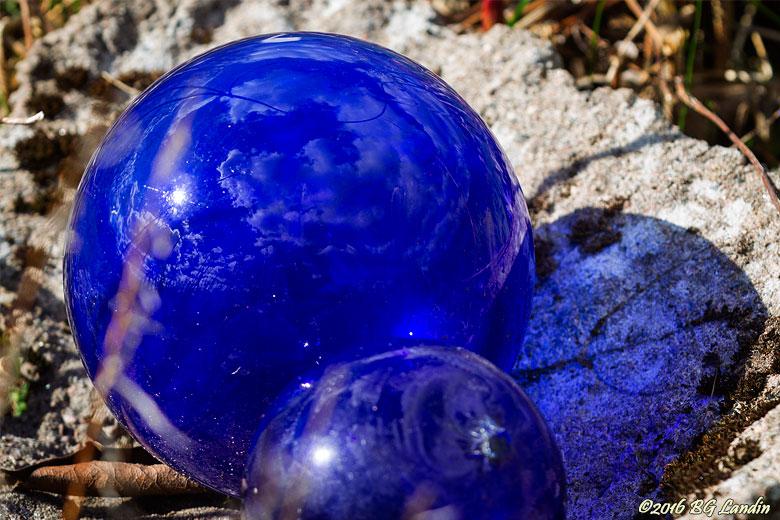 Koboltblå glasklot