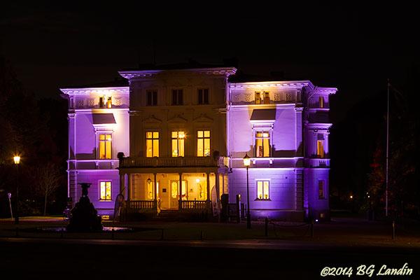 Nolhaga slott i violett