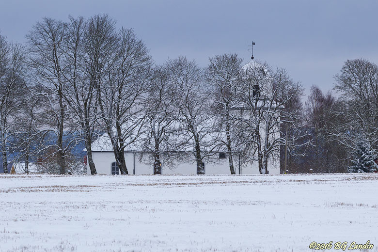 Östads kyrka i vintertid