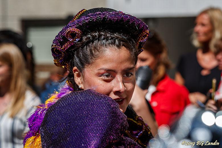 Porträtt av karnevalsdeltagare