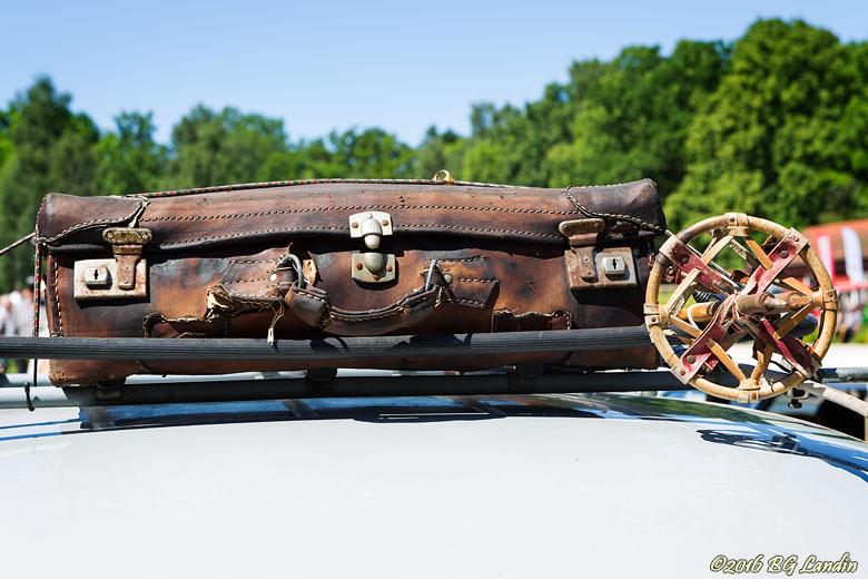 Skidstav och resväska
