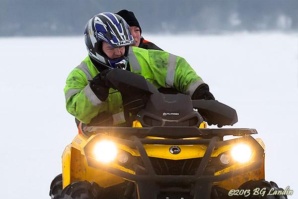 Två på fyrhjuling