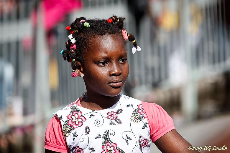 Ung karnevalsdeltagare