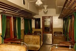 Tidstypisk interiörbild från personvagn