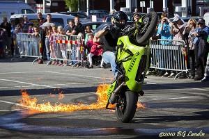 På ett hjul genom eld